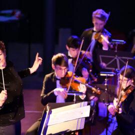 Maestro TU/e door Studium Generale met studentensymfonieorkest Ensuite van ESMG Quadrivium en deelnemer Cursor redacteur Norbine Schalij
